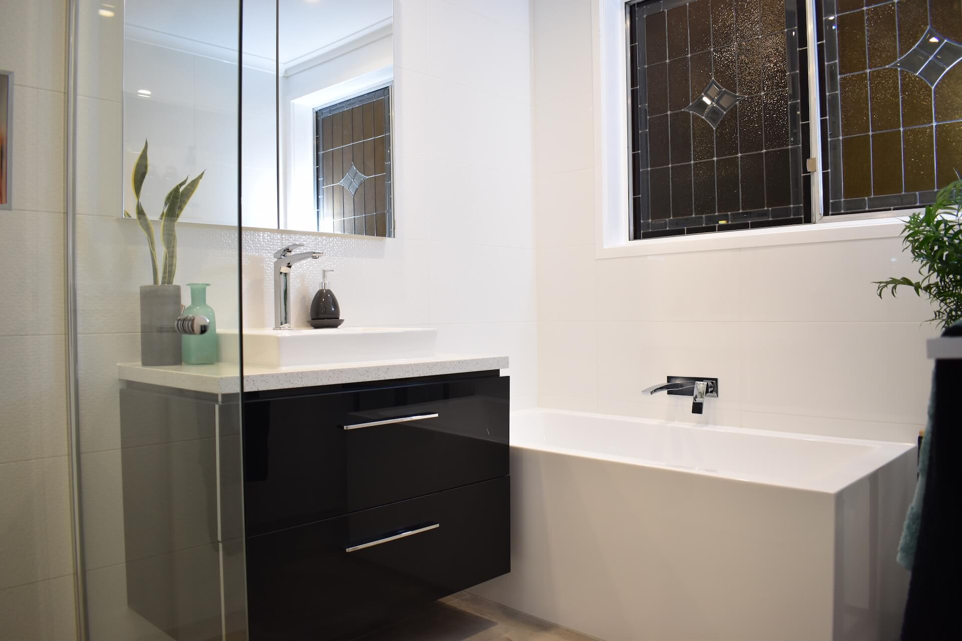 Bathroom renovation melbourne 0161 cutting edge renovations for Bathroom specialists melbourne