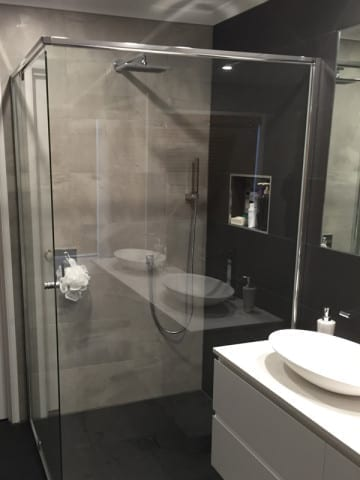 bathroom-renovator