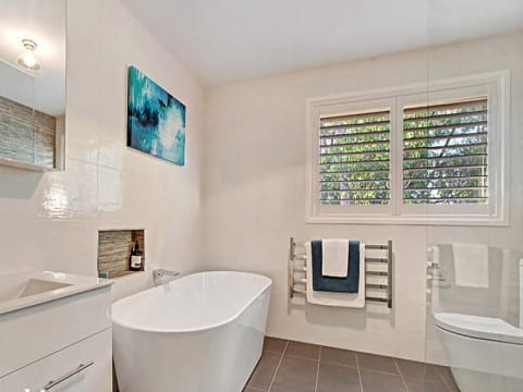 Melbourne-Bathroom-Renovations